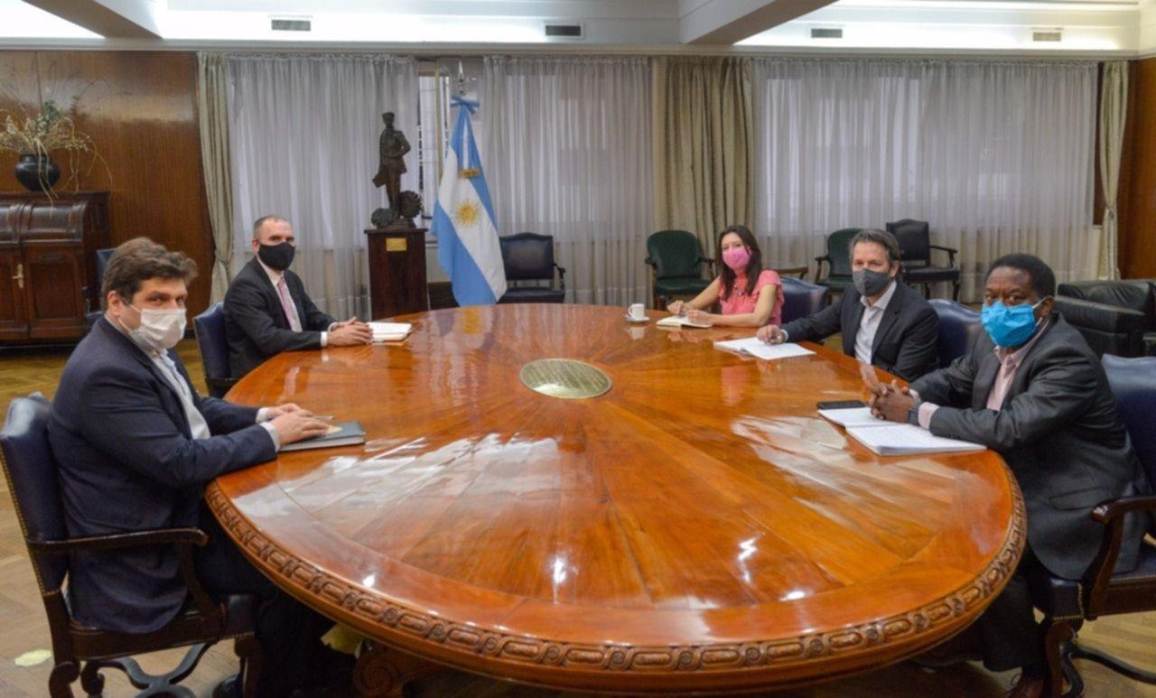 """Guzmán: """"Con el FMI avanzamos en un programa que será trazado por nosotros"""""""