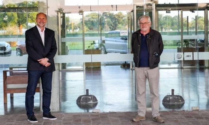 Perotti paga el apoyo de UPCN y ATE con el pase a planta de 2.500 contratados