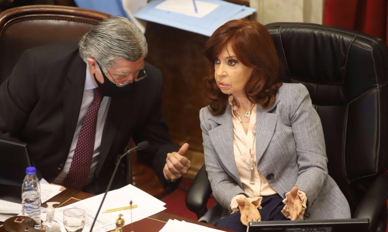 Cristina prorrogó las sesiones virtuales del Senado hasta marzo