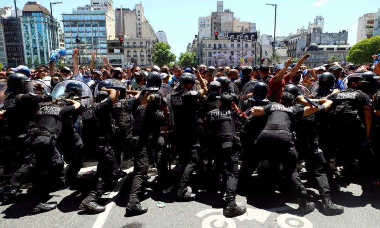 El Presidente también apuntó a Larreta por la represión en el velorio de Maradona