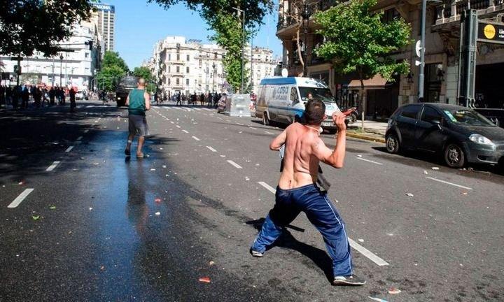 El Gobierno denunció a Larreta y Santilli por la represión en la 9 de Julio