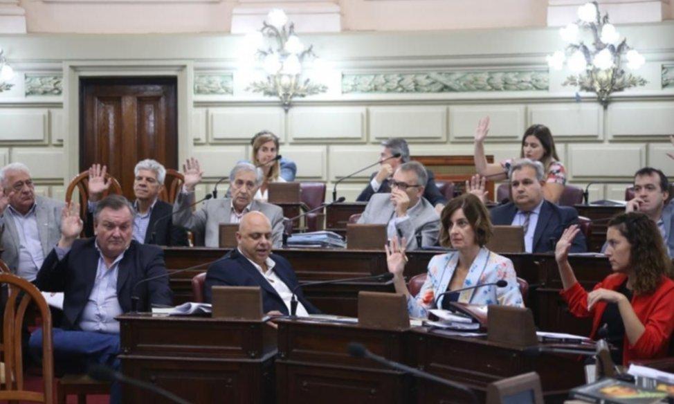 El diálogo cruzado entre socialistas y peronistas le marca los tiempos a Perotti