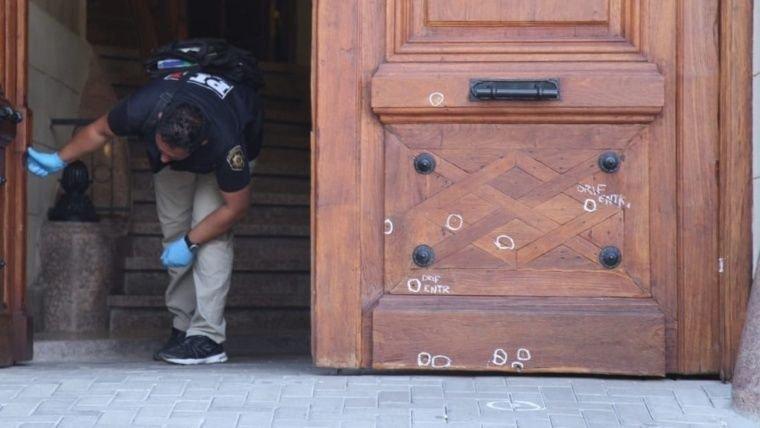 Conmoción en Rosario: balearon de doce tiros el frente del Concejo Deliberante